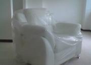 Vendo sofa, 2 puestos, 1 poltrona (blancos)