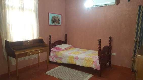 Alquiler habitaciones para turista o ejecutivo y servicio de taxi